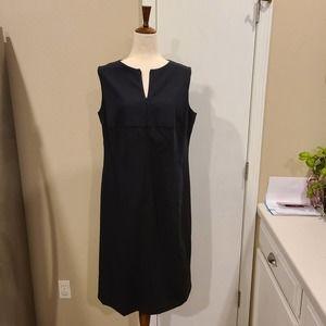 14 Akris Punto Black Wool Dress